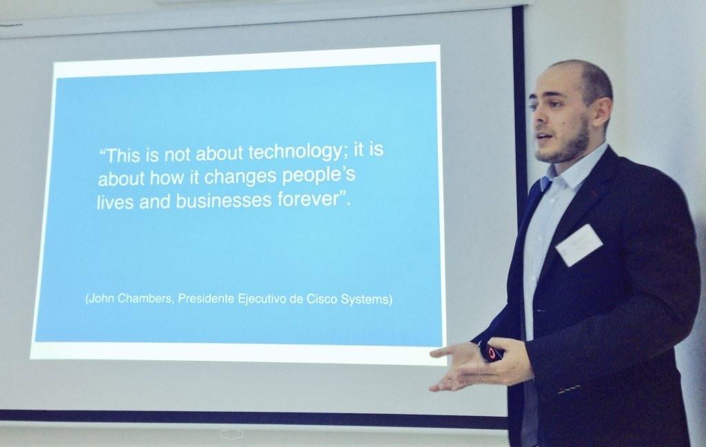 Charla Luis Fombellida Prieto sobre el Internet de las Cosas en Timpulsa